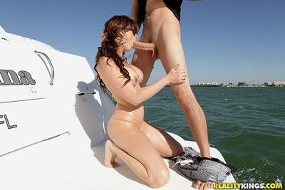 Hot babe ashlee raine gets analed on rub-down the boat
