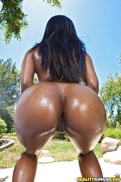 Sierra banxxx dropped and bounced her magnificent ass with ease