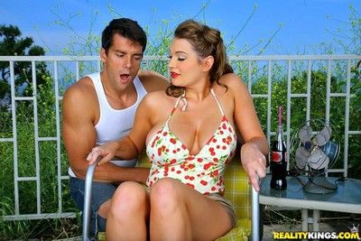 Busty retro chick cassandra calogera gets buttfucked