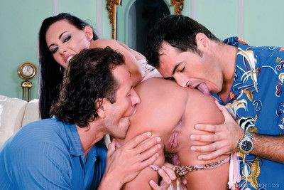 Pornstar valentina velasques double fucked in anal threesome