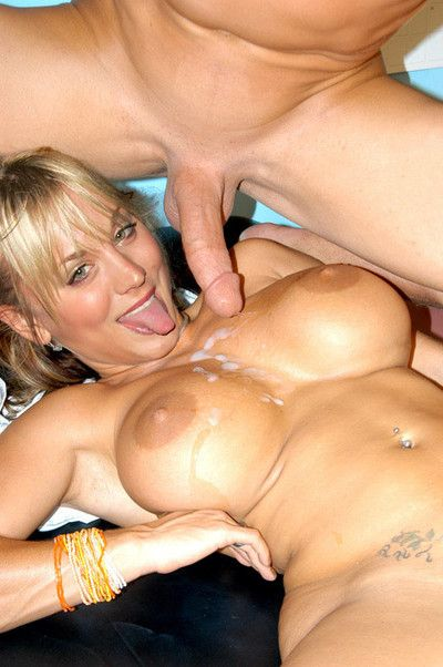Mart supernova kaley cuoco fucked perfectly holes