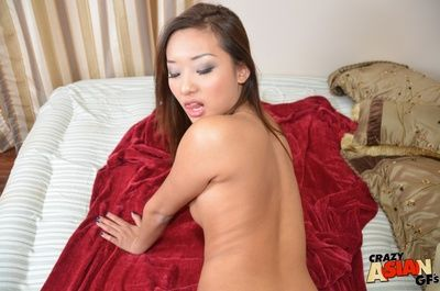 Amateur Asian chick Alina Li deliverance a bonny POV blowjob