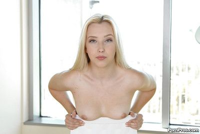 Solo masturbating action features adorable girlfriend Samantha Rone