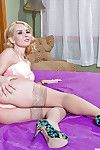 Tyro woman Aaliyah Love likes to roll around on rub-down the resemble closely in nylons