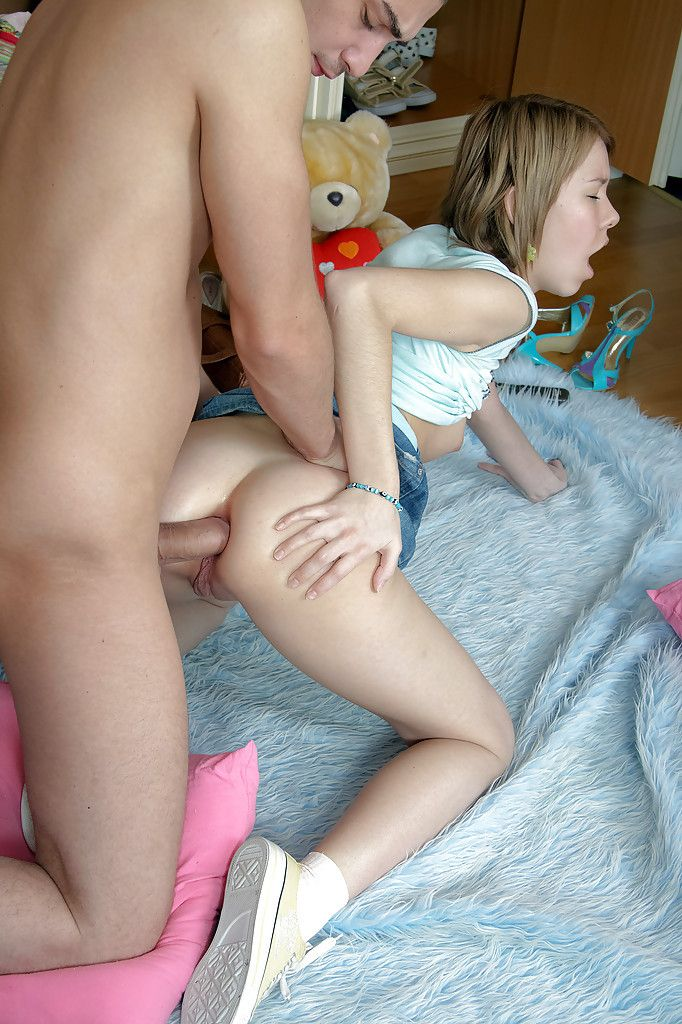 image Blonde teen 1st time showing her naked body