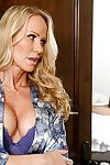 Sexy gilded girlfriend Cassidy Klein enlists stepmom Simone Sonay helter-skelter give bj