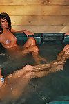 Moist tub munch with avery bailey and veronica from party-all star