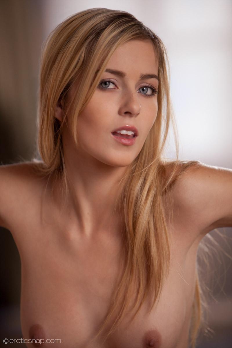 Abigaile johnson from czech republic 1