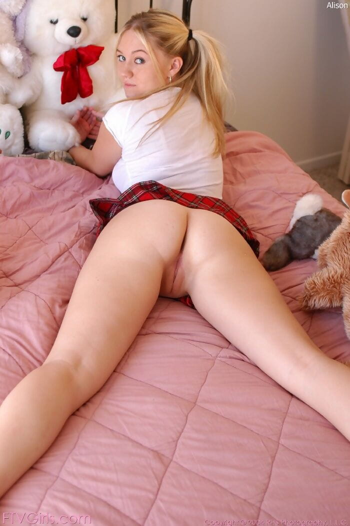 Teen Pussy Pic Porn
